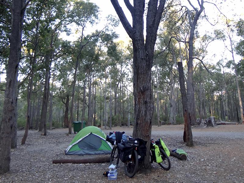 Campeggio a Lake Brockman
